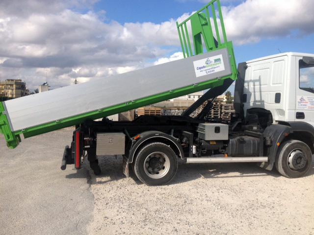 Iveco-Eurocargo-Cassa-Verde-Alluminio